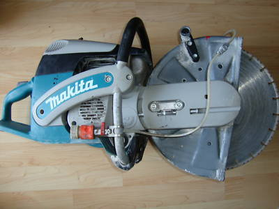 Makita DPC7311 14'' concrete cut-off saw power cutter on